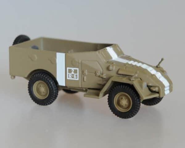 Véhicule militaire soviétique BTR-40 (fig702)