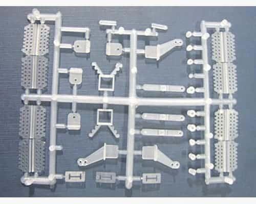 Set complet de 29 pièces (charnières, guignols…)